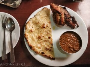 Sanja chulha- kaalli dal, garlic Naan and Tandoori chicken